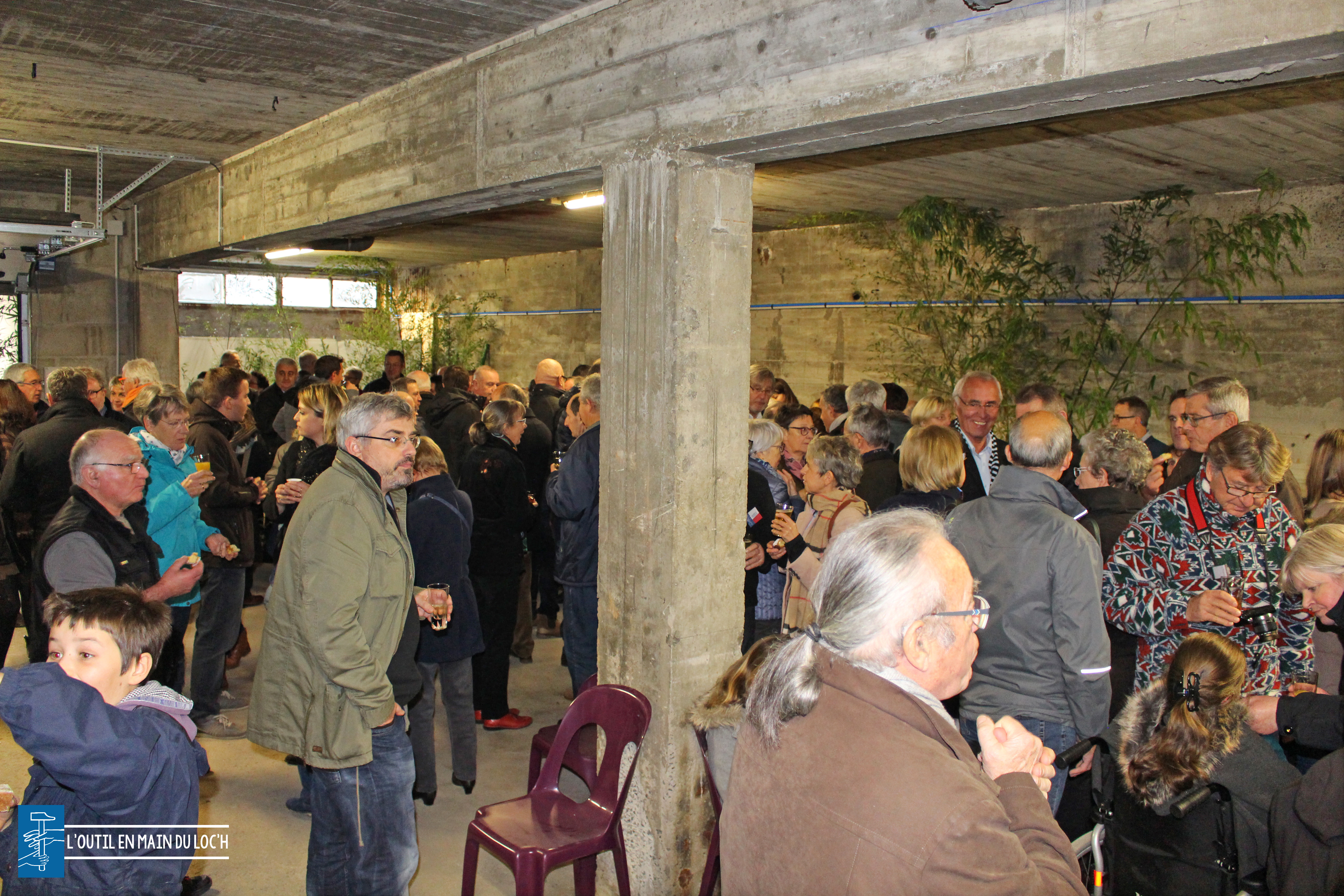 loutilenmainduloch-invites-foule-inauguration-outil-en-main-loch-grand-champ