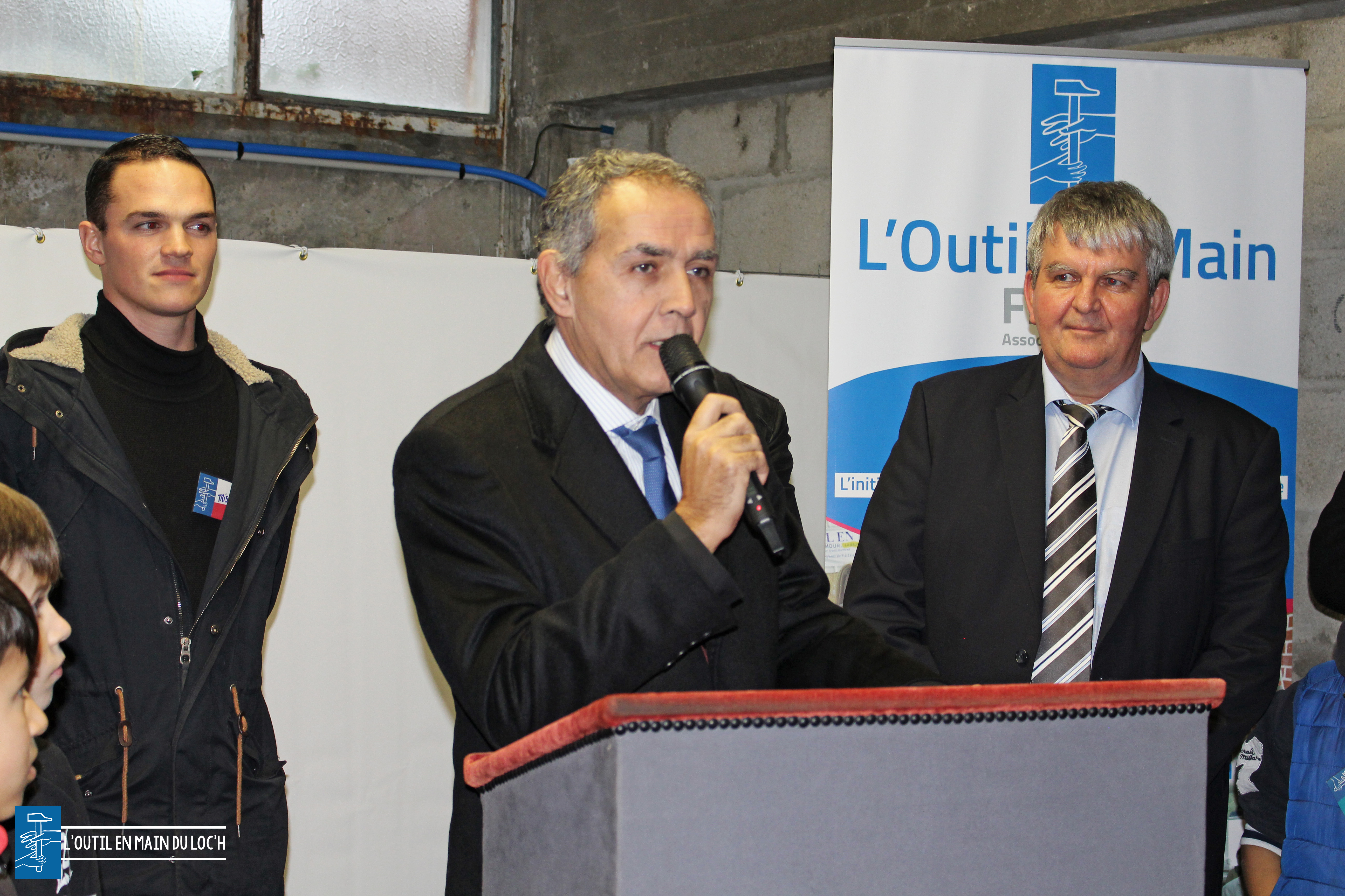 loutilenmainduloch-raymond-le-deun-prefet-morbihan-inauguration-outil-en-main-grand-champ
