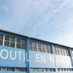 facade-outil-en-main-loch