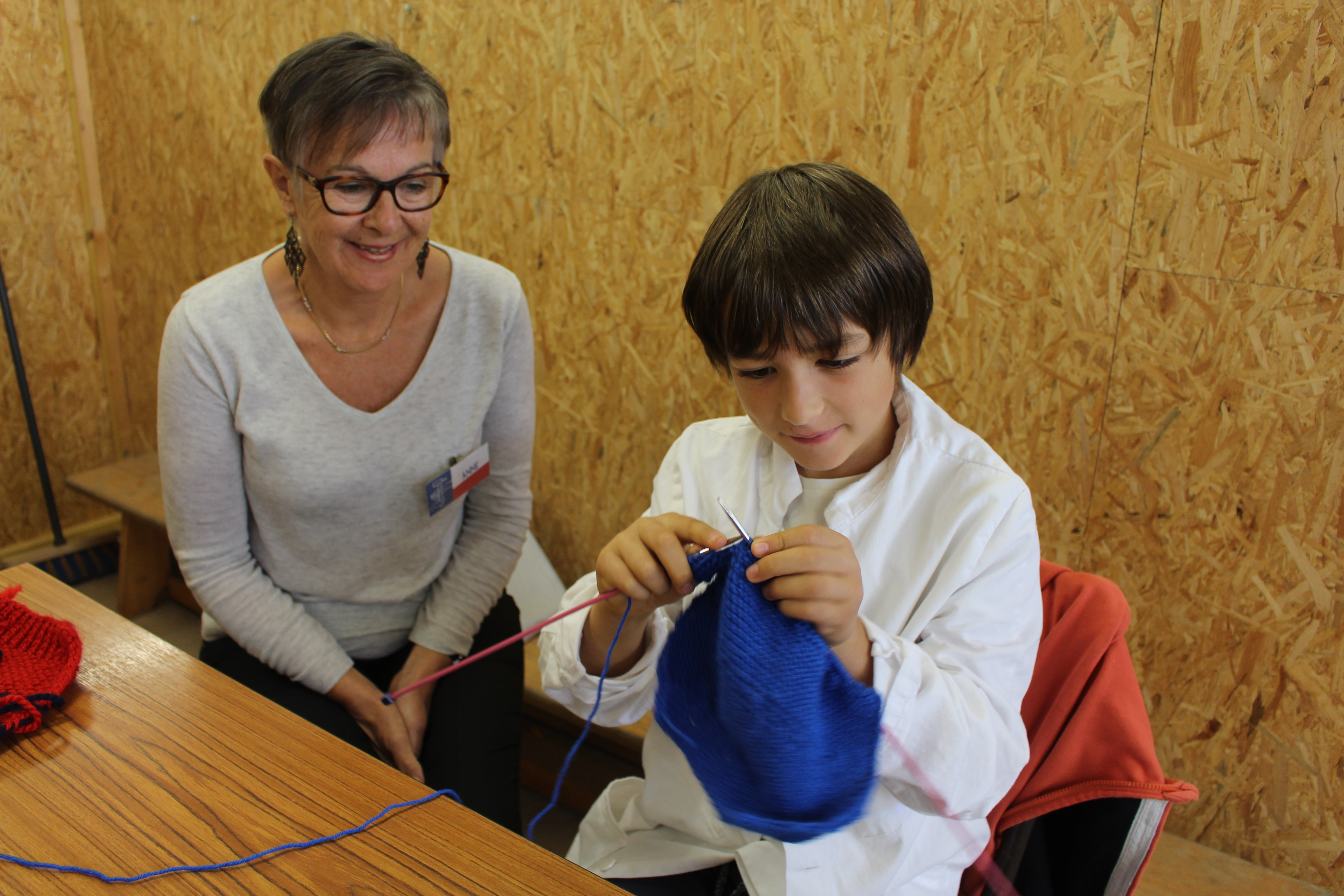 tricot-metier-initiation-grand-champ-outil-en-main-loch